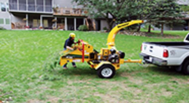 Where to find BRUSH CHIPPER 6 , VERMEER BC700XL in Albertville